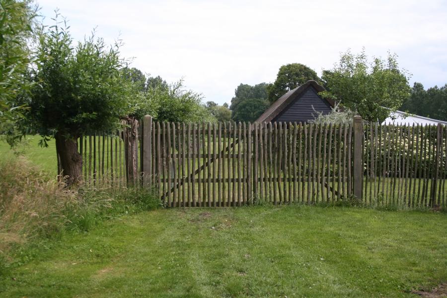 erfafscheiding in landelijke tuin
